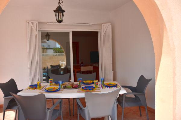 porch, table, seats