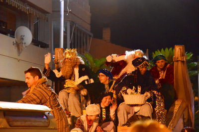 Optocht, 's avonds, drie Koningen op een open wagen, Driekoningen