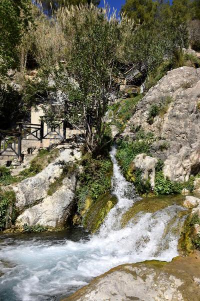 watervallen, Les Fonts d' Algar, rotsen, groene bomen, stromend water