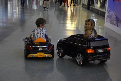 autootjes voor kinderen, in winkelcentrum Valencia, El Saler