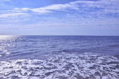 zee, blauwe lucht