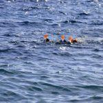 blauwe zee bij Calpe, 3 snorkelaars