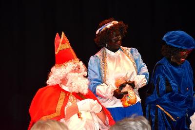 oude man met witte baard en rode mijter, Sinterklaas, Alfaz del Pi