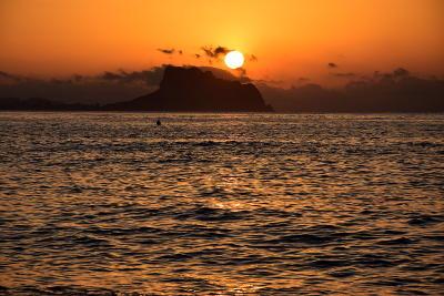 zonsopkomst, het nieuwe normaal, Albir,. oranje lucht