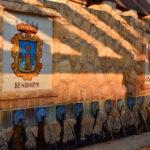fontein, met wapen Benidorm, tegels, muur